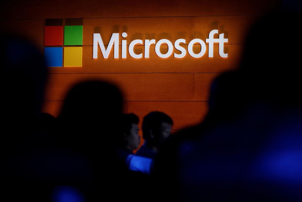 Windows 11 is Microsoft's Aborted Windows 10X in Some Design Aspects — Similar Start Menu?