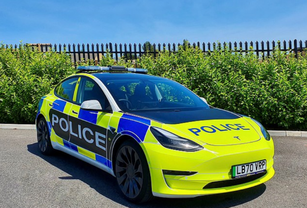 Tesla Model 3 Police Car Could Allow UK Save More Money and Test Its Emergency Vehicle Market