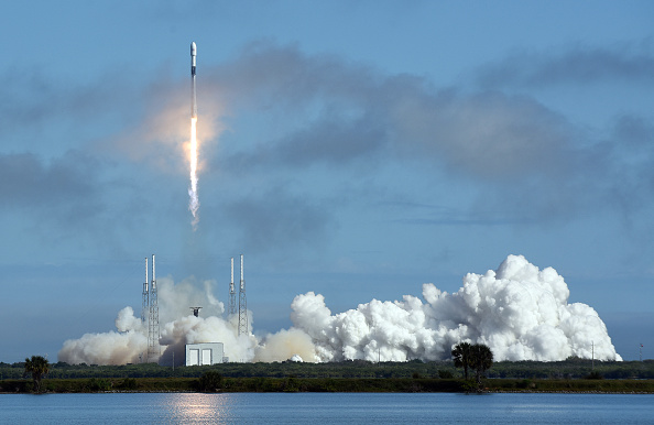 SpaceX Starlink Broadband Internet Service To Go Global This August? It Could Fill the Gap Between 5G and Fiber