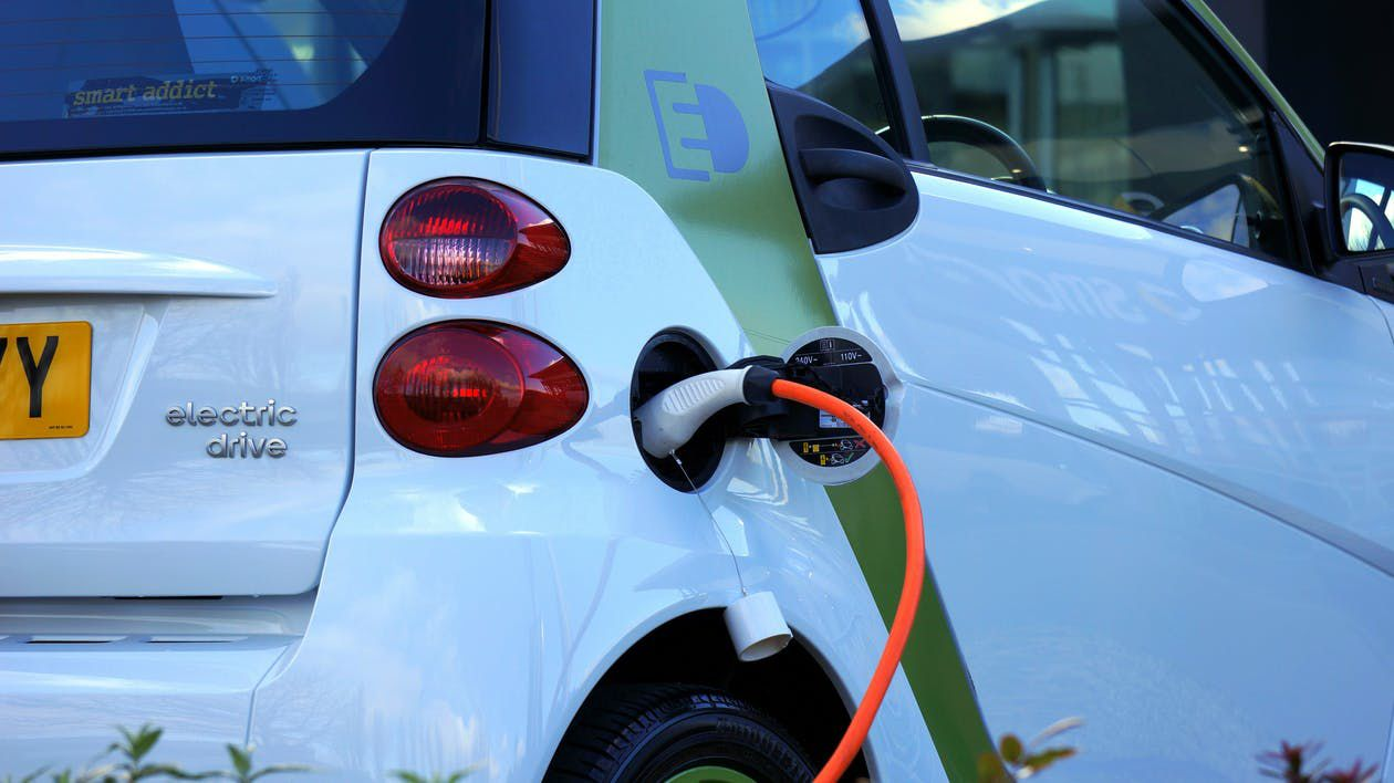 US Falling Behind Against China and Europe in Producing Electric Vehicles