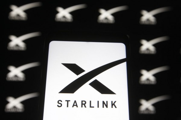 SpaceX's Starlink Sattelite Dish on Top of a Car? California Motorist Tries, Gets Pulled Over by a Cop