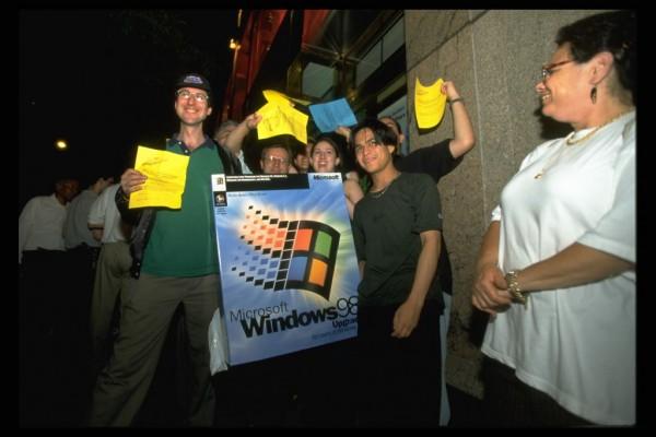 Windows 98 Simulator Runs Microsoft's Nostalgic OS on Your Android Device