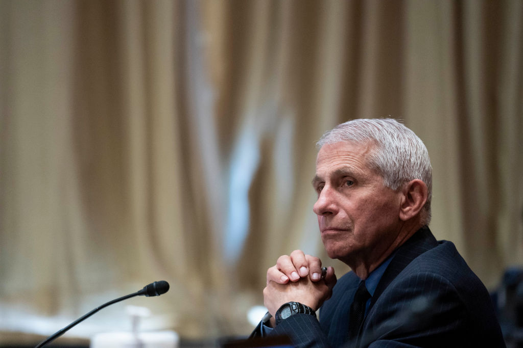 Fauci Wants People to Wear Face Masks Despite full dose of vaccine