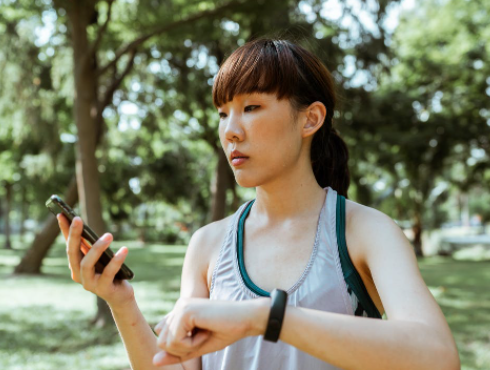 Top 5 Fitness Watches of 2021  Sleep Tracking, Heart Rate Monitor, and More
