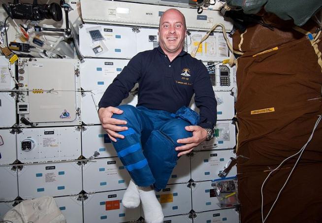 NASA Astronaut Garrett Reisman Explains Why Elon Musk Wants 'Everything to Look Cool'