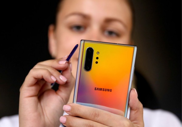 One Plus and Samsung Collab? Chinese Phone Maker Mistakenly Tweets Galaxy Note 20 Ultra's S Pen Ad