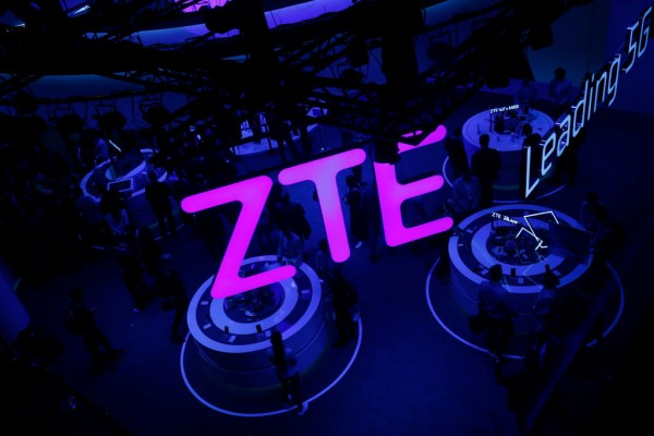ZTE Axon 30 5G Launched: Under Display Selfie Camera, Snapdragon 870, and More Spec Details Confirmed!