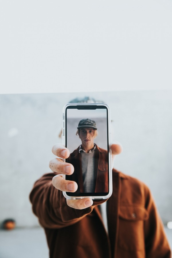 Apple's iOS 15 to Roll Out Security Verification System Using Selfies--Face ID Confirmation Coming Soon?
