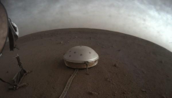 NASA's Insight Lander Tells More About Mar's Crust, Core Using Marsquakes Data