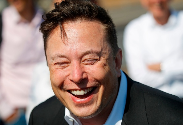 Elon Musk Wants To Become Apple CEO? Tesla Boss Now Denies the Claim—Saying He Did Not Reach Out to Tim Cook