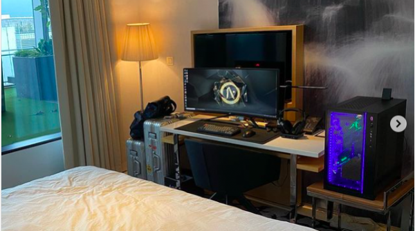 COVID-19 Quarantine: A Man Ships His $7,000 'Ultimate Gaming Setup' to His 14-day Isolation Hotel