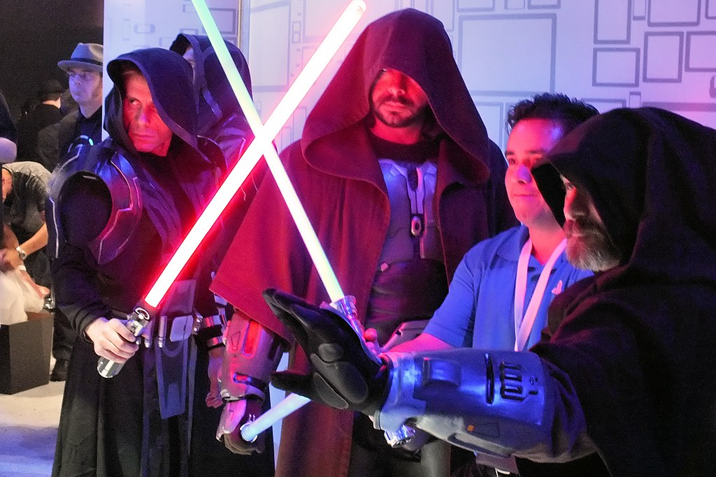 Are Lightsabers Possible? Theoretical Breakdown by Physics Professor Explains How