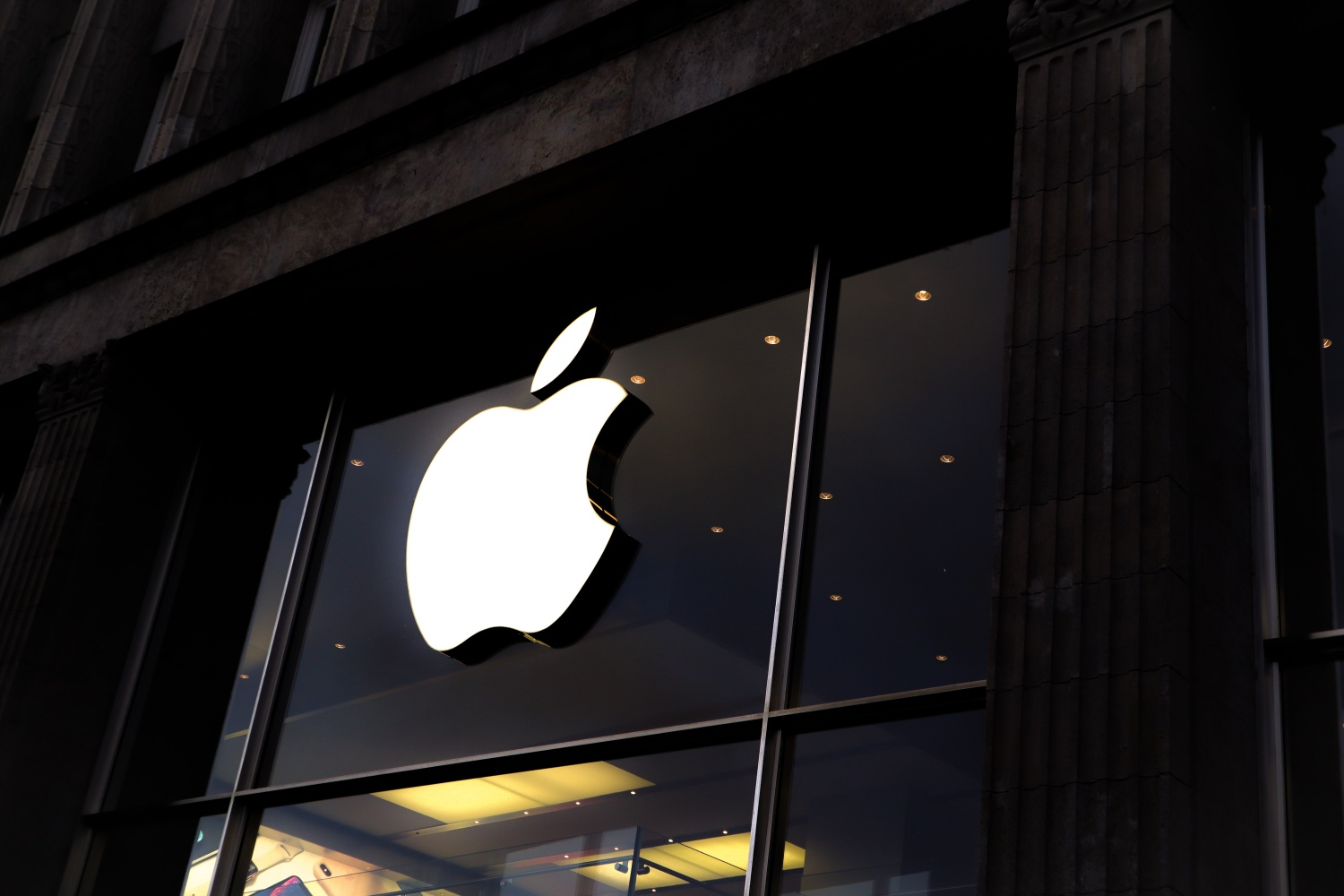 Apple Faces Patent Infringement Lawsuit by Bell Northern Research for Basic Mobile Wireless Technology