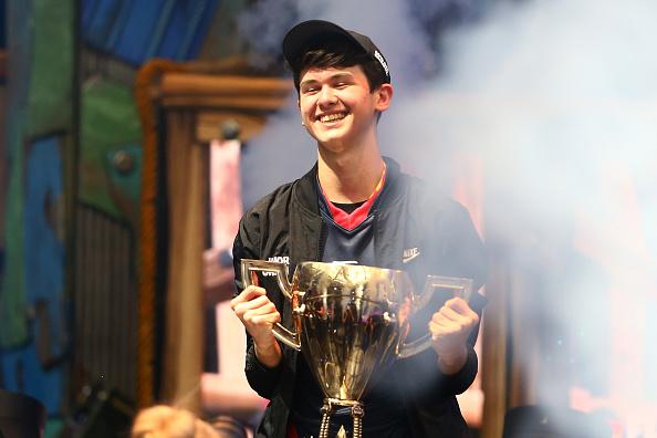 Fortnite solo world champ trophy