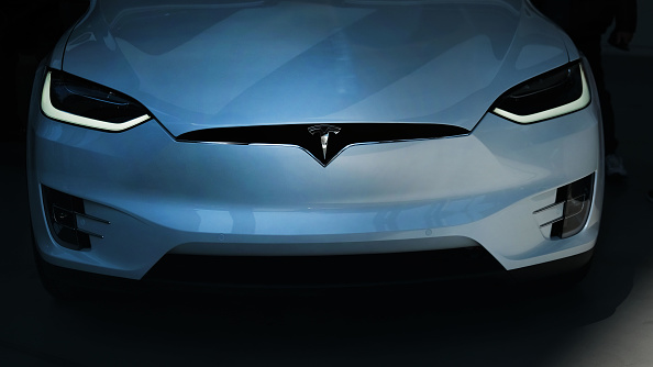 Tesla Autopilot To Blame For Stationary Police Car, Firetruck Incidents? NHTSA To Investigate Model X and Other Variants