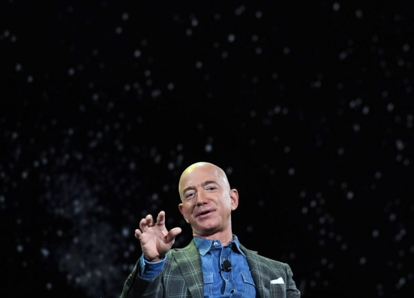 NASA, Elon Musk's SpaceX Moon Lander Halt Again Due to Lawsuit by Jeff Bezos' Blue Origin