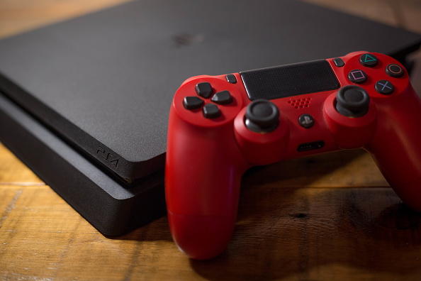 Ps4 console red controller