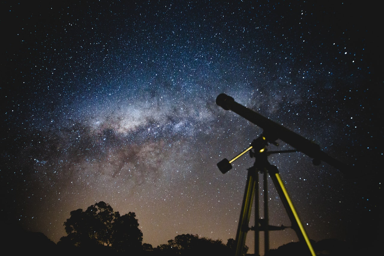 Top 5 Best Telescopes For Newbies For 2021 Featuring Celestron, Meade, Sky Watcher