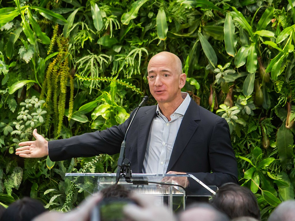 Amazon's Jeff Bezos is Linked with Scientists Looking for 'Fountain of Youth' Technology