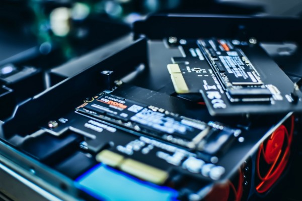 Chia Cryptocurrency Miners Are Reselling SSDs as 'New' Following Price Crash [BEWARE]