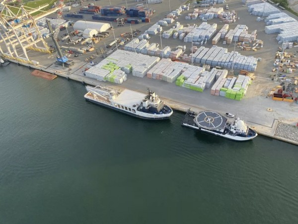 SpaceX's Recover Ships