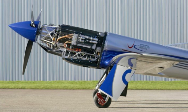 Rolls-Royce Electric Plane To Achieve 300 Miles Per Hour! Spirit of Innovation Plane Completes a New 15-Minutes Flight Test