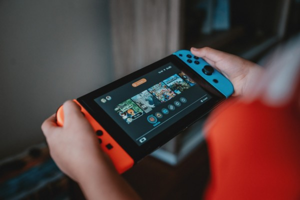 Best Nintendo Switch Screen Protectors 2021: Protect Your Console From Impacts, Scratches