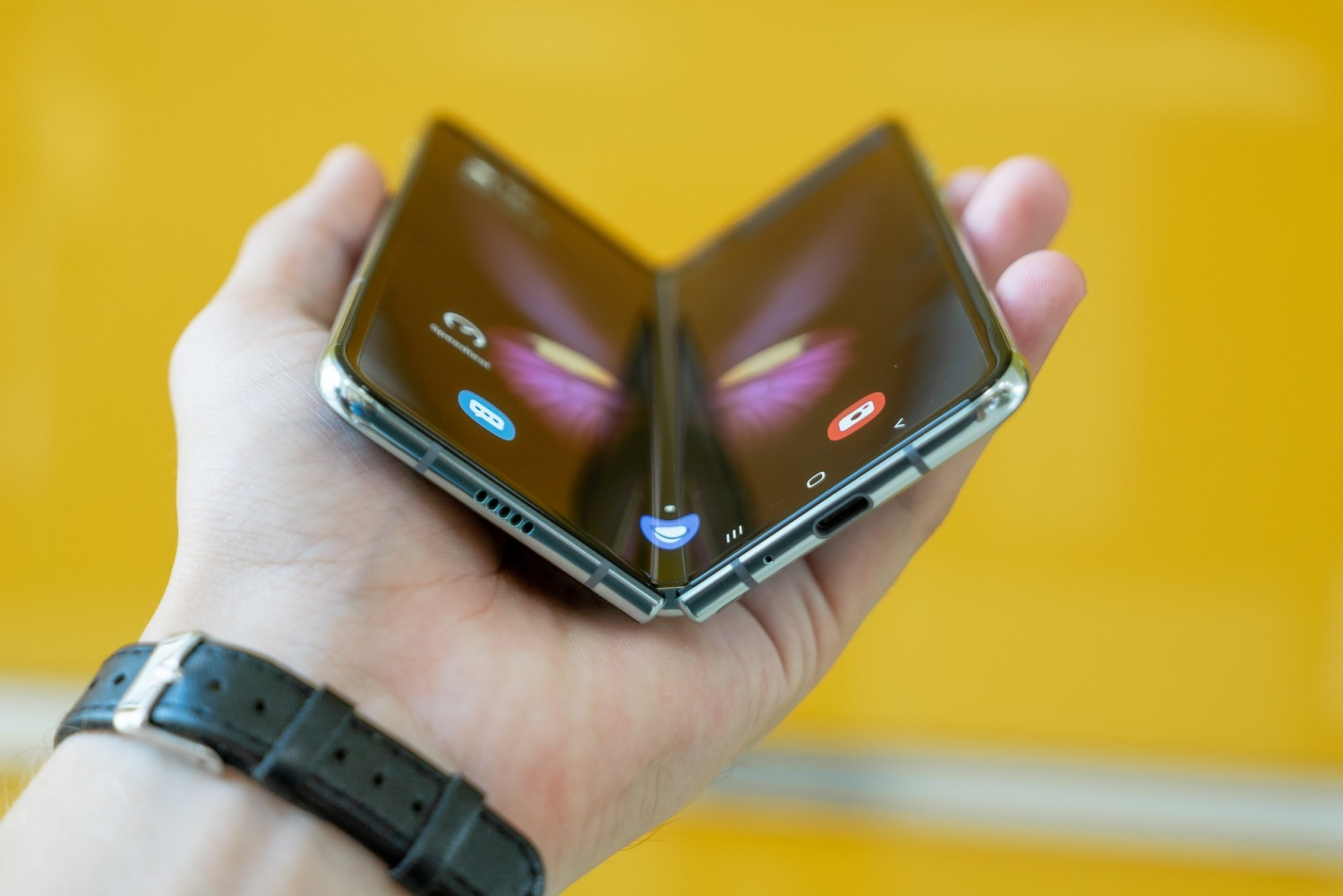 Google Android 12.1 Leak: A Foldable Phone Might Arrive This Year Together With an Upcoming Software Update