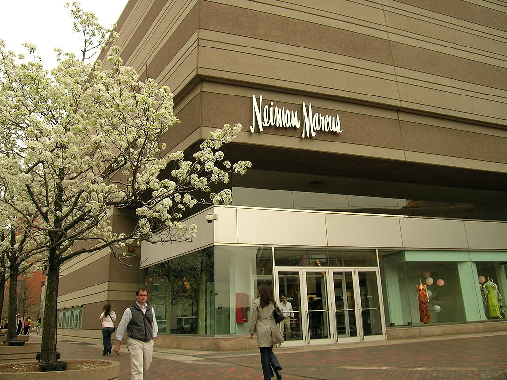 Neiman Marcus Luxury Group Alerts 4.6M Users of Possible Breach | Approx. 3.1M Payment and Virtual Gift Cards 'Affected'