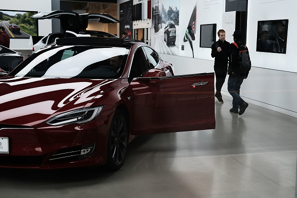 [VIRAL] Tesla Model 3 Vs. Four Kidnappers! What This Viral Video, a Real-Life 'GTA' Moment