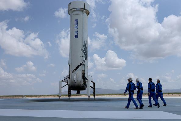 William Shatner Blue Origin Spaceflight NEW Schedule | Twitter Users Mocking Jeff Bezos' Company Because of Delay