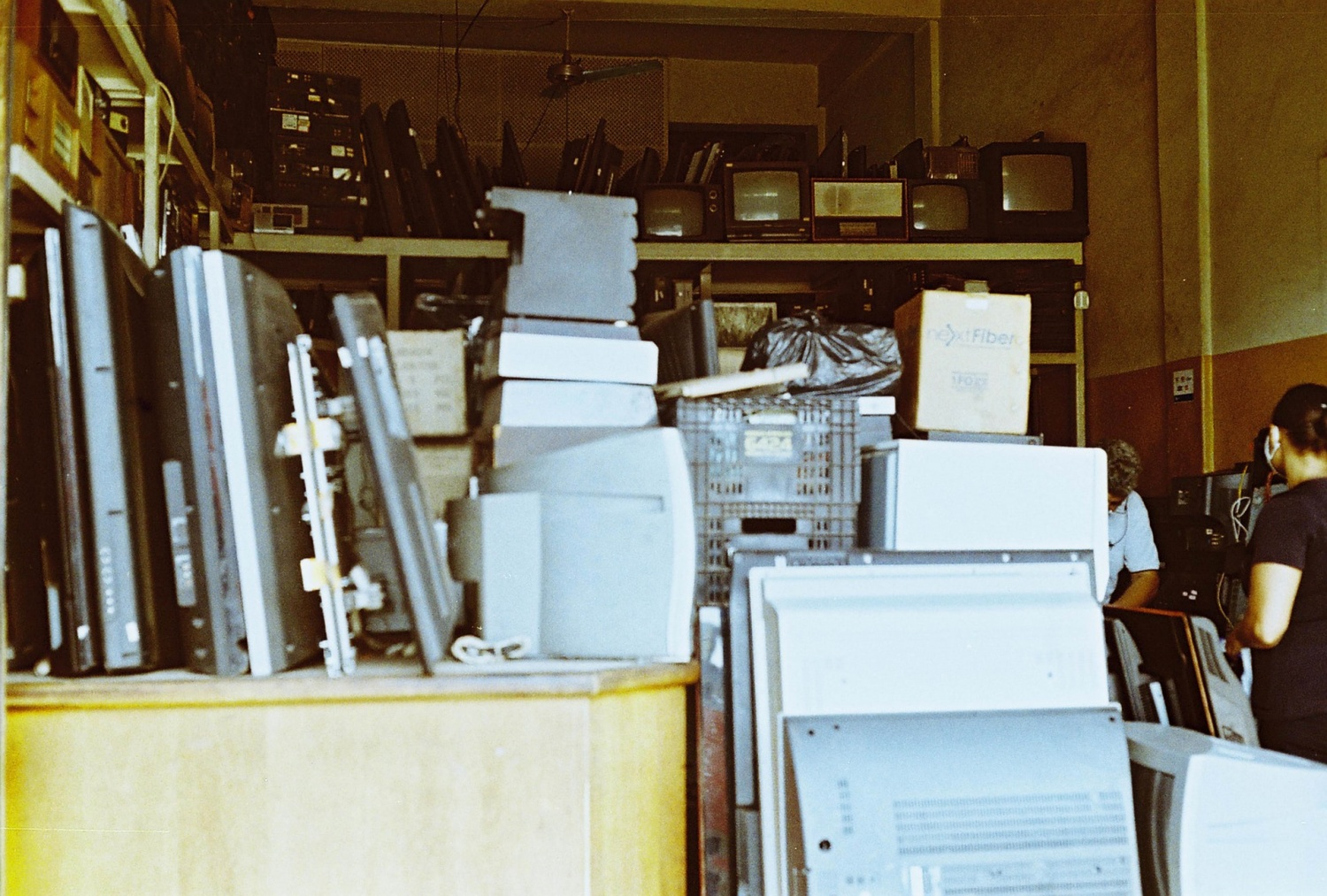 2021 E-Waste Surges at 57.4 Million Tons with Only 17.4% Recycled as Per 2019 Figures