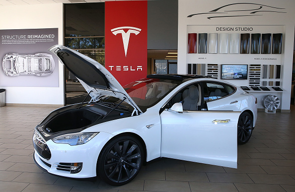 Tesla's Full Self Driving Beta Rolls Out to Investor with 37 Safety Score—Scoring Requirement Gone?