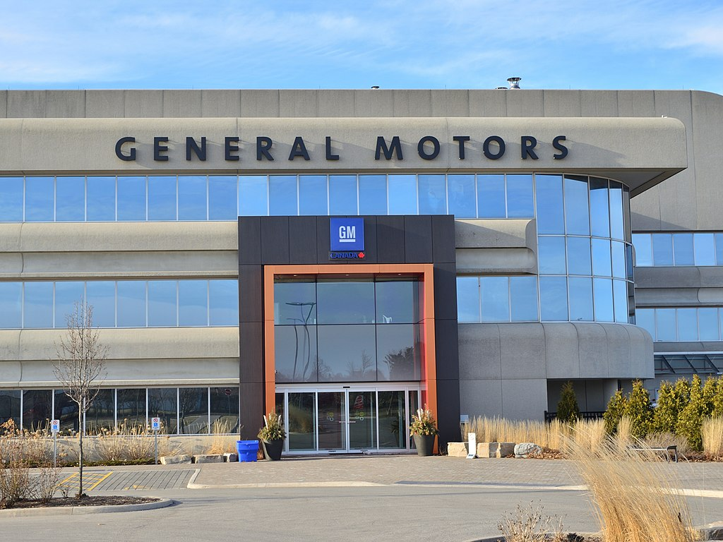 General Motors vs Tesla | Plans to Build 40,000 EV Chargers in the US While Selling Its 'Ultium' Level 2 Chargers for Home and Business Use