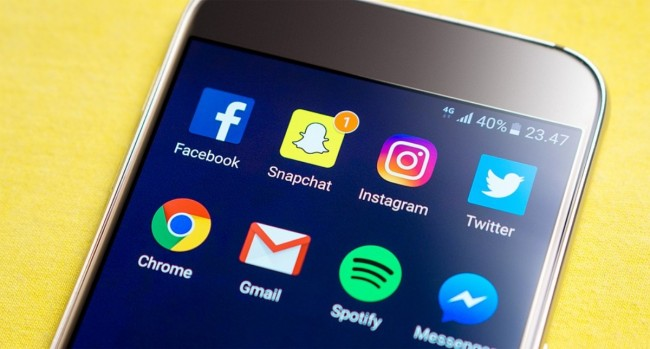 Poll Declares 'Like' Button As One Of The Most Toxic Social