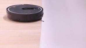 Top 3 Best Robot Vacuums Under $300 Budget (2021): IRobot, Roborock, MORE